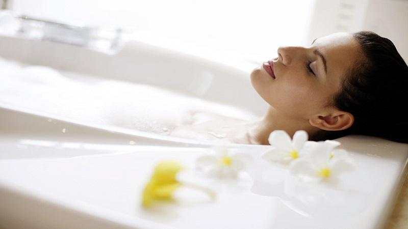 حمام سیتز چیست ؟ تاثیر آن در کاهش درد و درمان بواسیر و شقاق